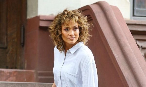 Jennifer Lopez showing off her curls