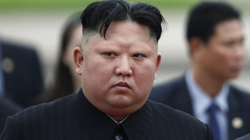 kim jong un with no eyebrows
