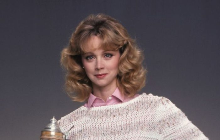why did shelley long leave cheers?
