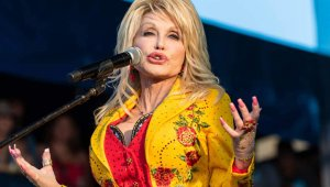 Dolly Parton and Plastic Surgery