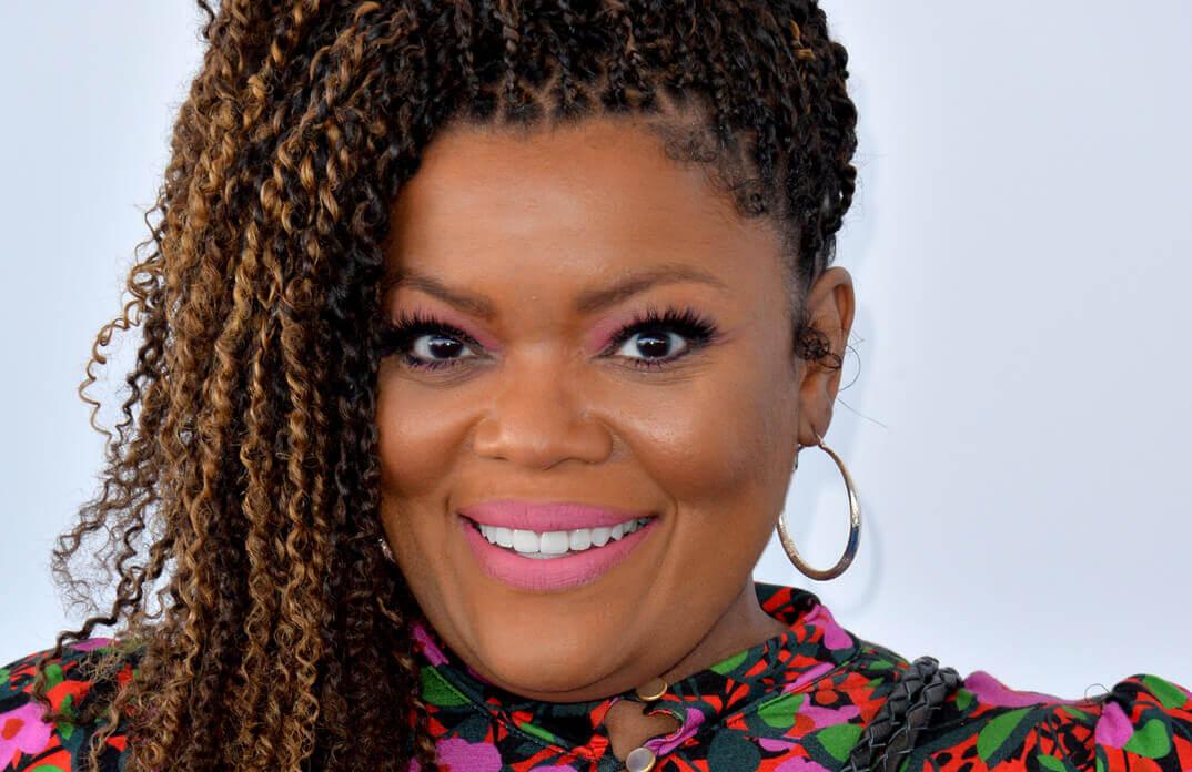 Yvette Nicole Brown Community